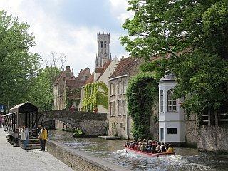 rondvaarten in  Brugge