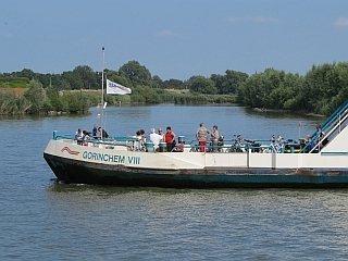 Een veerboot in Gorinchem