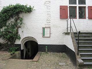 Kasteel Ammersooyen ingang