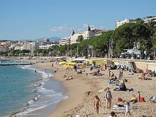 strand in Cannes