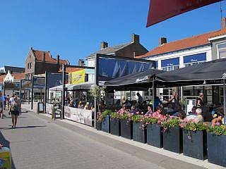 De visrestaurants in Breskens: onbeperkt mosselen eten en