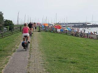 Fietsen bij het IJsselmeer